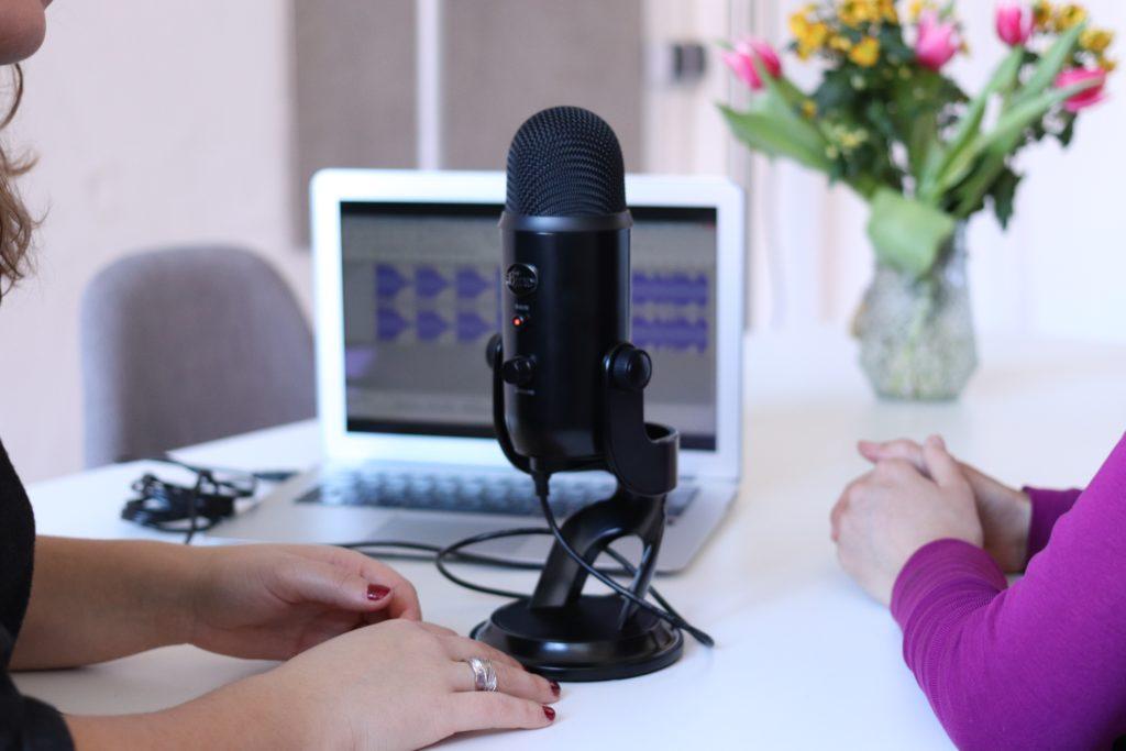 Creare un podcast di successo - Foto di Cowomen da Unsplash