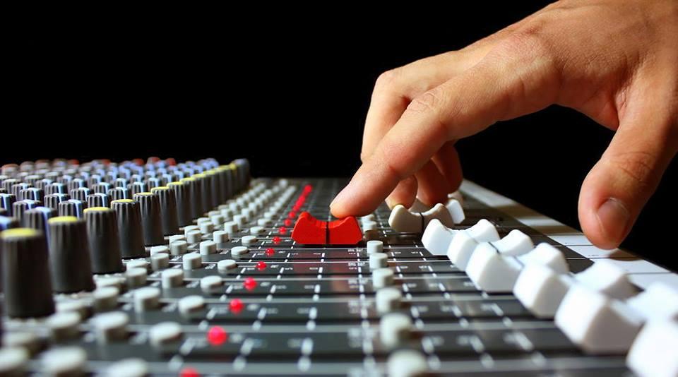 Web radio Milano Lounge ha un nuovo server di trasmissione ShoutCast, in aggiunta ai due servers IceCast