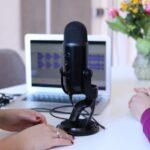 Piattaforme per creazione, distribuzione e monetizzazione di audio podcast